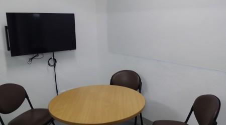 4-pax discussion room