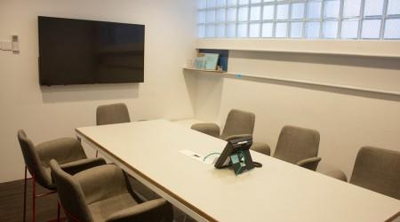 8Pax Meeting Room